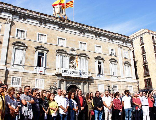 La societat civil s'adhereix a la protesta davant la sentència del procés